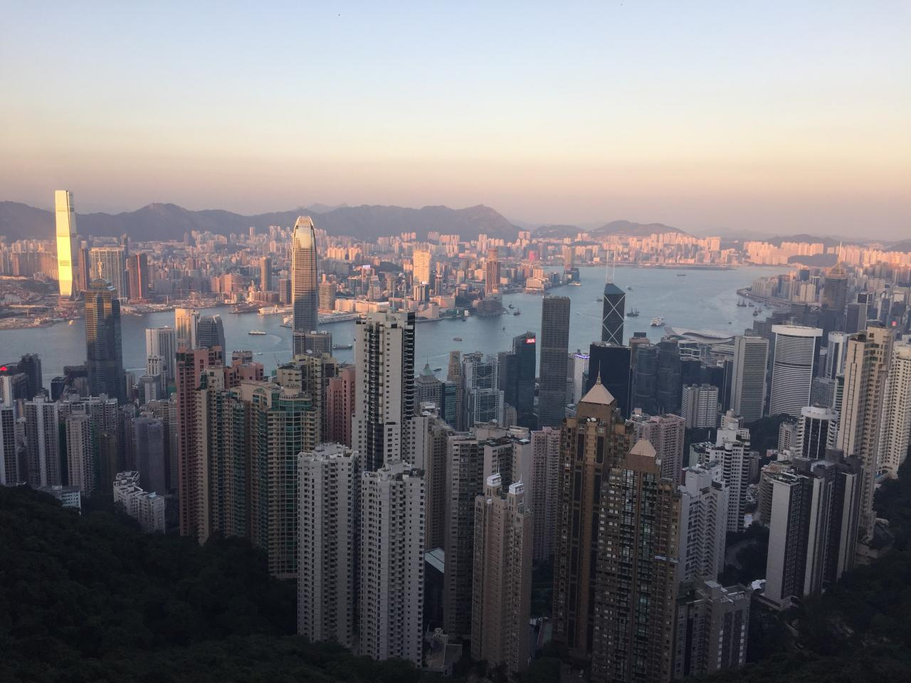 Exotic destination, food capital, financial hub and expats' dream... Hong Kong is definitely one of the most popular destinations in the world. It is a city of many faces and exploring them requires a